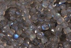 Kamienie Labradoryt 7731kp 4mm 1szt.